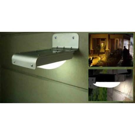 Lampe extérieure LED à recharge solaire